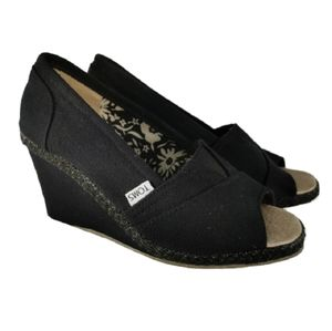 Tom's Wedges Black Peep-toe Size 38 / 7.5